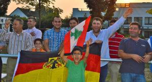 Stimmung durch libanesische Fzßball-Fans.