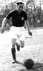 Einer der bekanntesten Spieler des Duisburger SV: Hennes Hoffmann