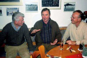 Willibert Kremer (links), Michael Bella und Rüdiger Mielke beim Fachsimpeln