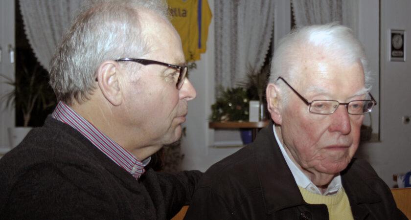 Bernard Dietz feierte zusammen mit dem inzwischen leider verstorbenen Vorstandsmitglied Walter Schlenkenbrock