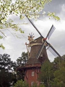 Die Kappenwindmühle.