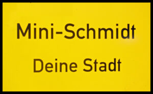 """Verkehrsschild """"Mini-Schmidt"""""""
